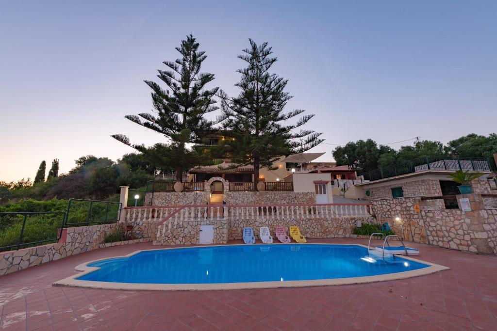 Het zwembad bij of vlak bij Kefalonian 360° Sunrise