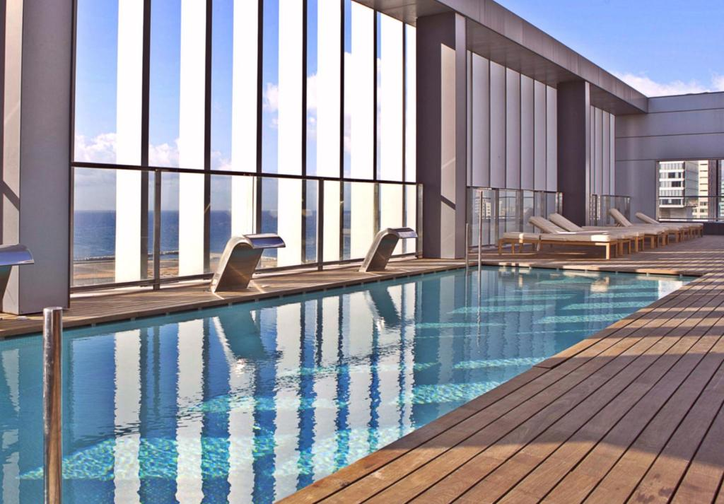 The swimming pool at or close to Hotel SB Diagonal Zero Barcelona 4* Sup