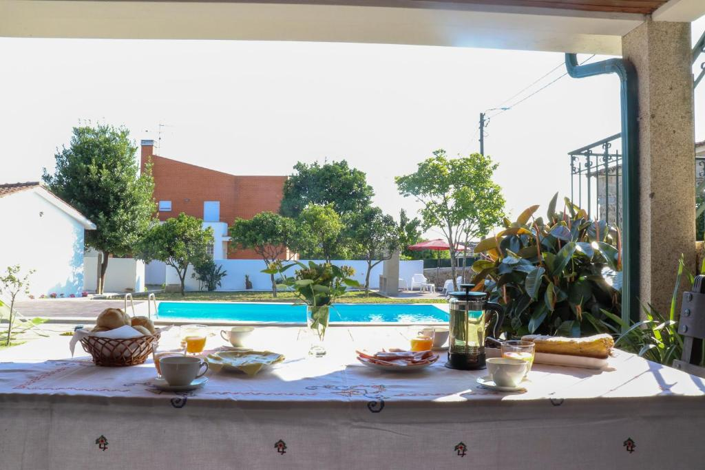 The swimming pool at or near Casa dos Carreiras