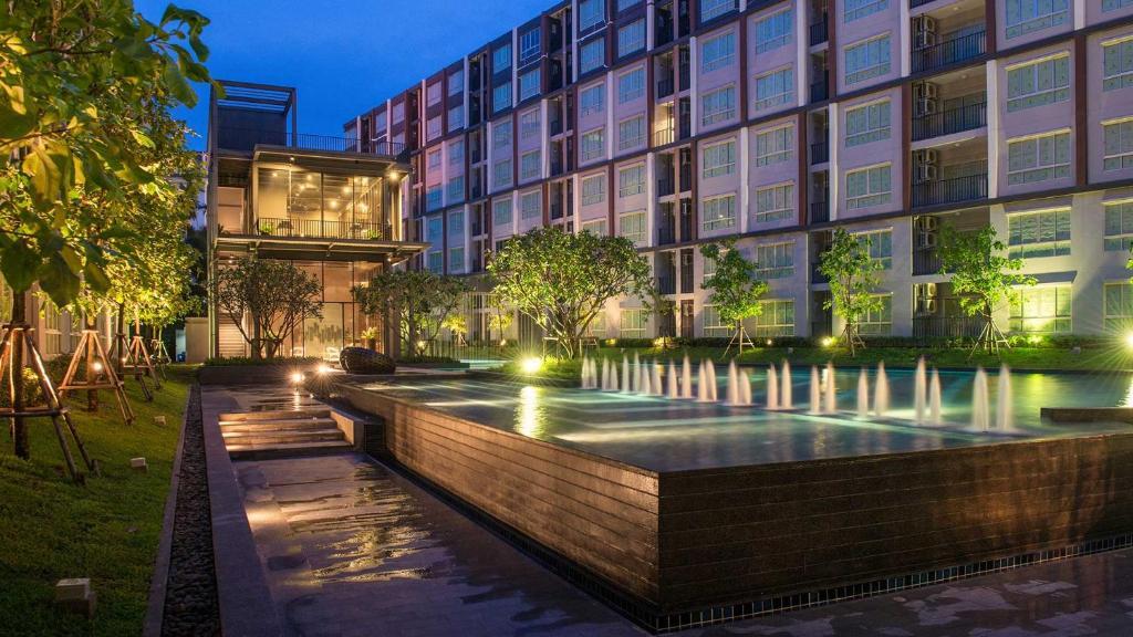 สระว่ายน้ำที่อยู่ใกล้ ๆ หรือใน Dcondo Hyde Chiang Rai by AJ