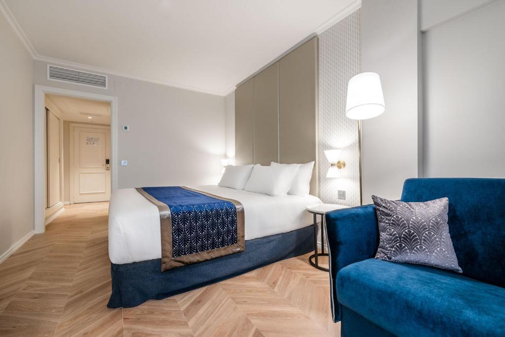 Eurostars Gran Hotel Lugo房間的床