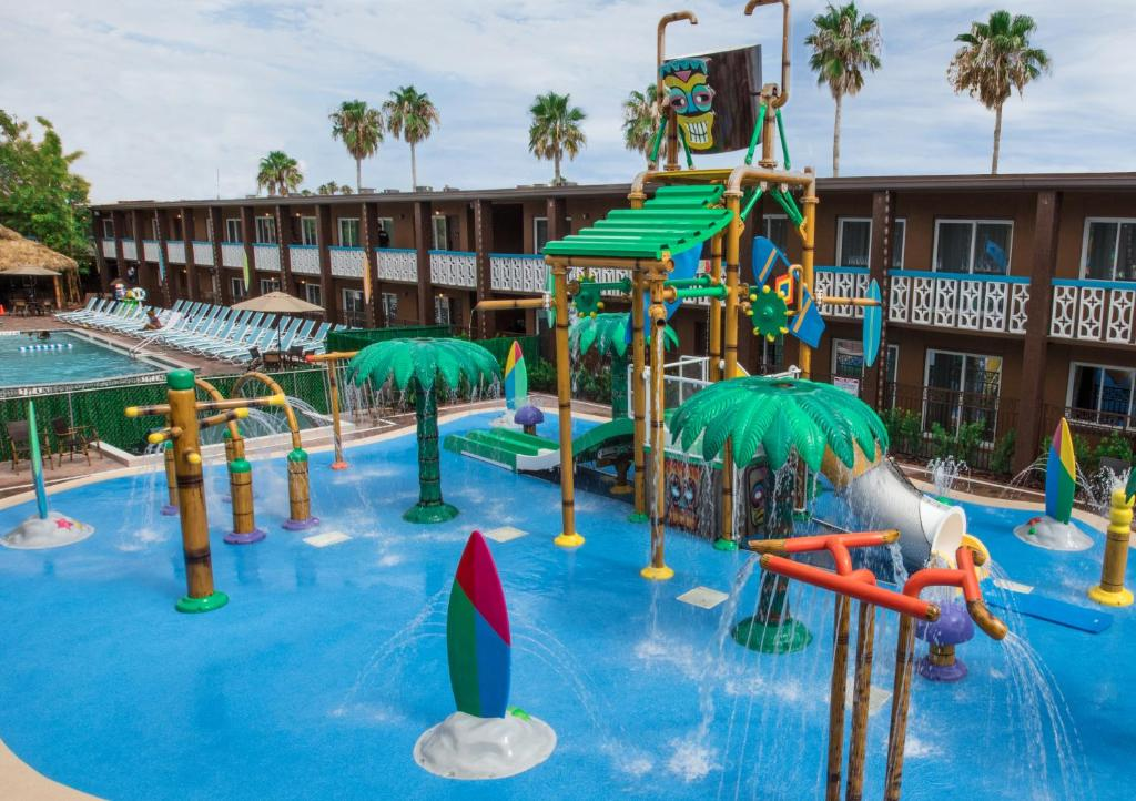Westgate Cocoa Beach Resort, FL - Booking.com on longboat key hotel map, klamath falls hotel map, daytona hotel map, mitchell hotel map, albany hotel map, pensacola hotel map, overland park hotel map, ann arbor hotel map, jacksonville hotel map, georgetown hotel map, wichita hotel map, orange county convention center hotel map, punta gorda hotel map, kent hotel map, boca raton hotel map, gulfport hotel map, geneva hotel map, kalamazoo hotel map, edgewater hotel map, davenport hotel map,