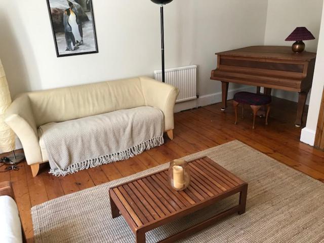 Silver Lining - Stockbridge Apartment