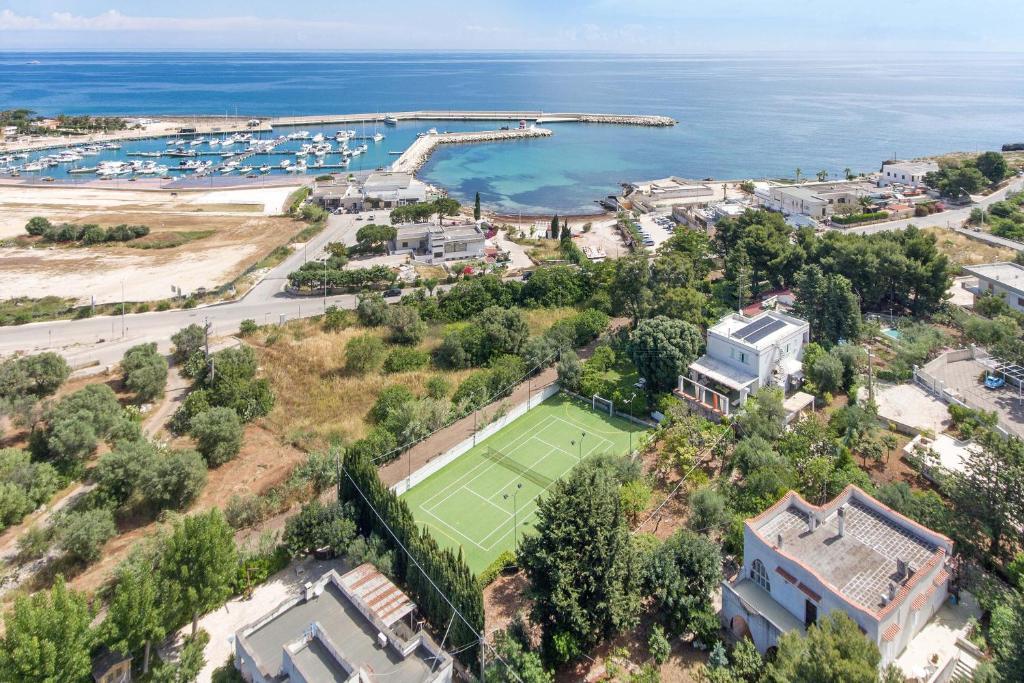 A bird's-eye view of B&B Amoredimare Villa