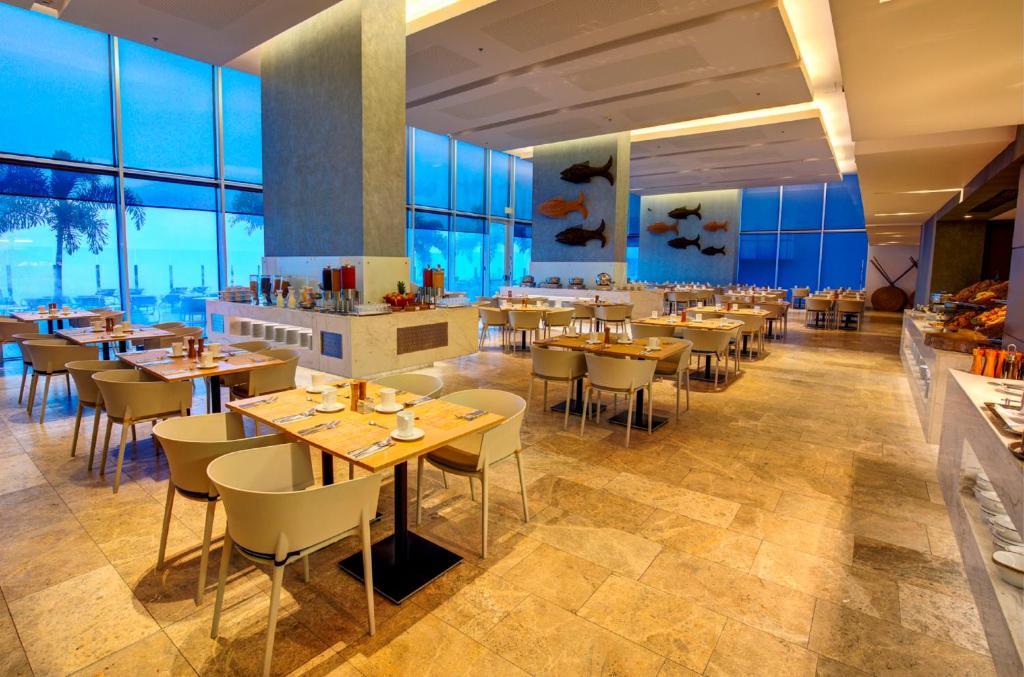 Estelar Cartagena de Indias Hotel y Centro de Convenciones ...