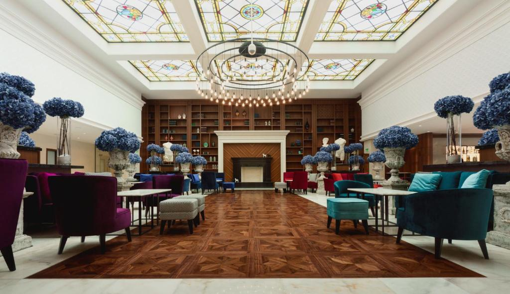 هتل آسترو گاردن