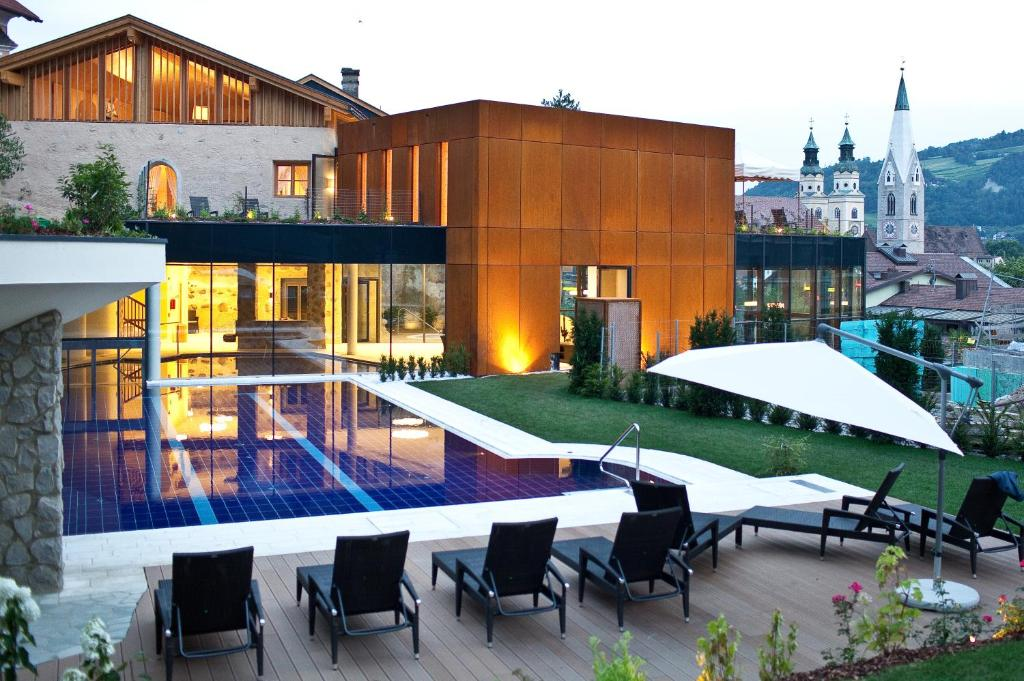 The swimming pool at or near Hotel Grüner Baum