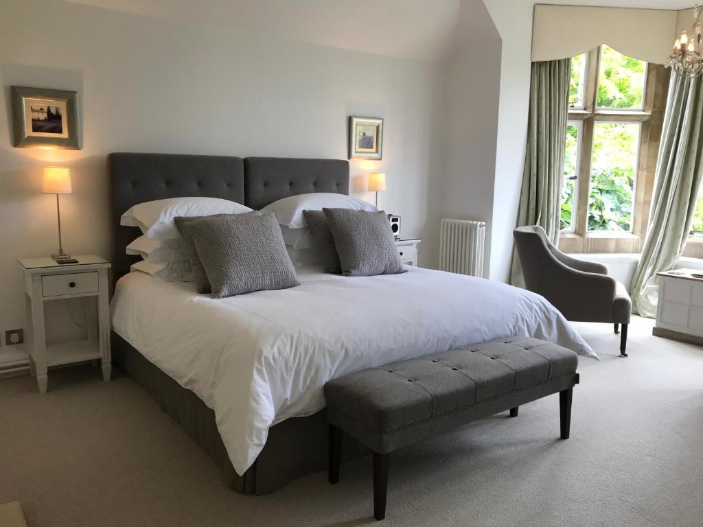 Bed Breakfast B And B At Witney House Gb Witney