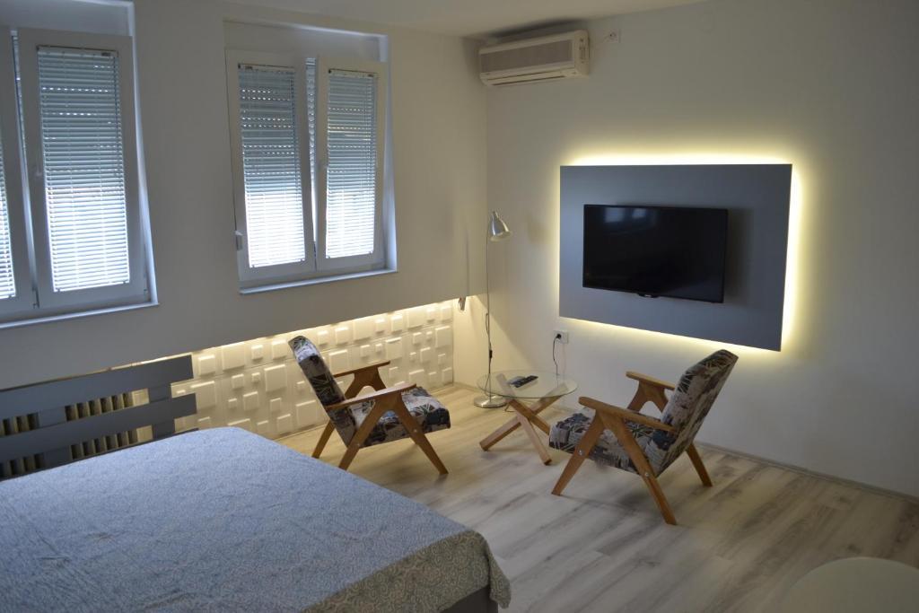 TV/Unterhaltungsangebot in der Unterkunft Lazarus Studio Apartment