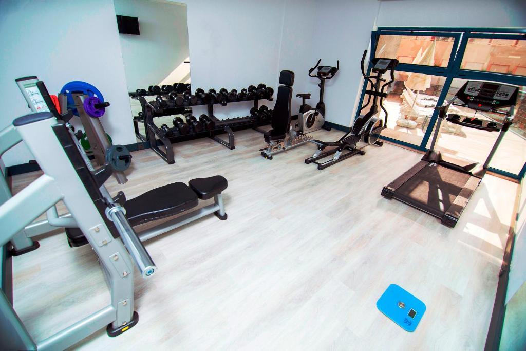 Фитнес-центр и/или тренажеры в Ramira City Hotel - Adult Only (16+)