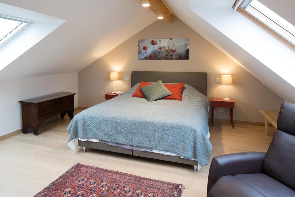 Een bed of bedden in een kamer bij Barbara's Bed & Breakfast