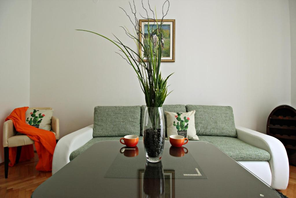 A seating area at Apartment Palata Bizanti