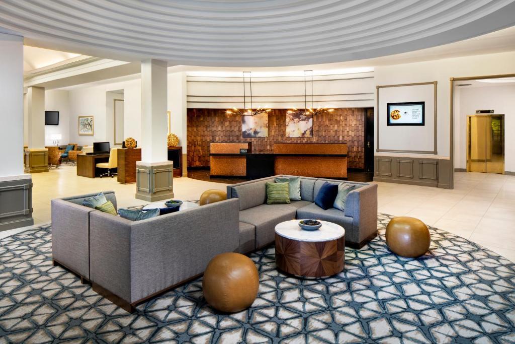 The lobby or reception area at DoubleTree by Hilton Nashua