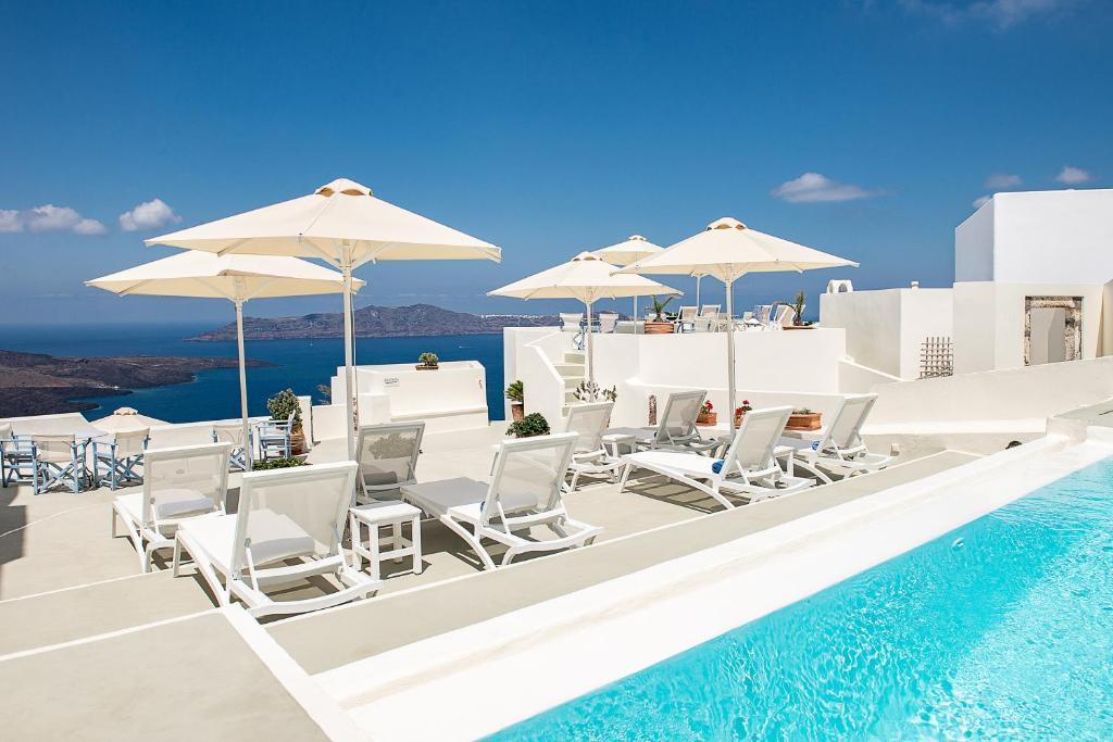 Πισίνα στο ή κοντά στο Pantelia Suites
