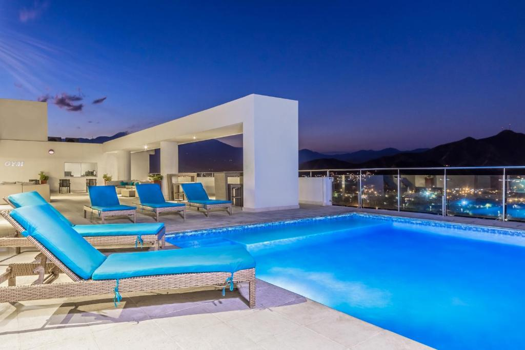 The swimming pool at or close to Best Western Plus Santa Marta Hotel