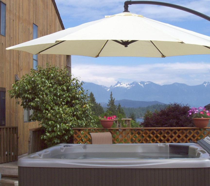 The swimming pool at or near Arcturus Retreat Bed & Breakfast