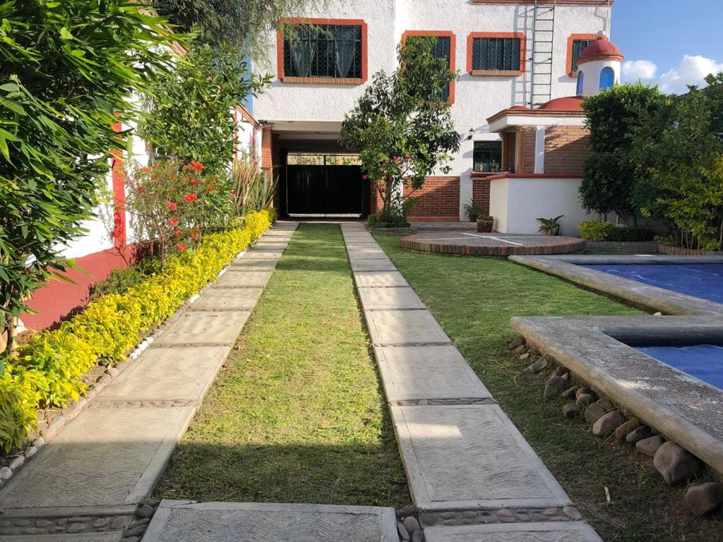Casa Colonial Con Alberca Climatizada Con Privacidad Y Seguridad