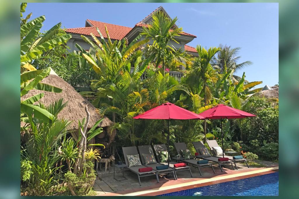 The swimming pool at or near 3 Monkeys Villa (Gay Hotel)