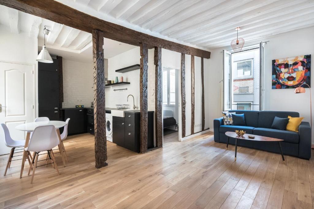 Posezení v ubytování Louvre Apartment