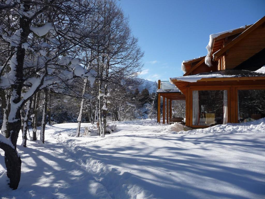Rio Hermoso Hotel De Montaña durante el invierno