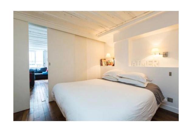 En eller flere senge i et værelse på St Honore