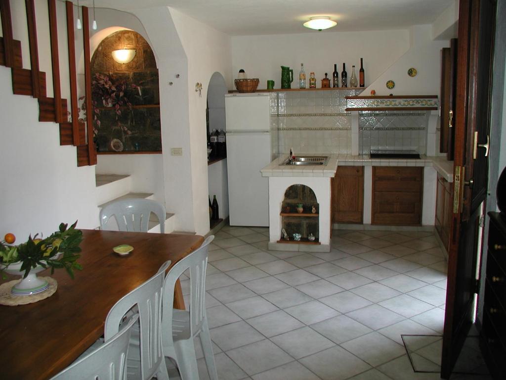 Lo Specchio In Cucina vacation home cala 1, pantelleria, italy - booking