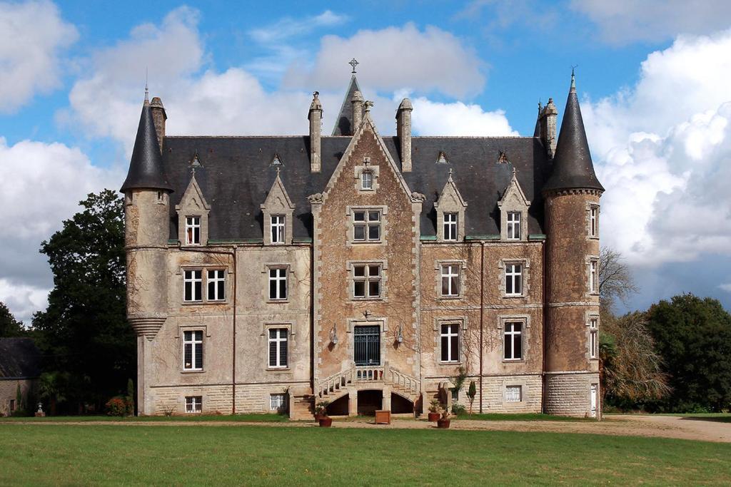 Hotel Chateau De Kerambleiz Francia Plomelin Booking Com