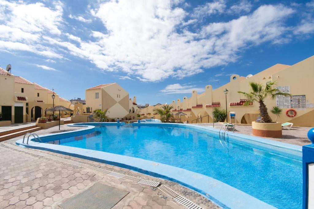 Der Swimmingpool an oder in der Nähe von Mare Verde 1 - Two Bed