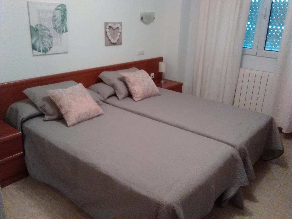 Guesthouse Hostal Saldaña, Spain - Booking.com