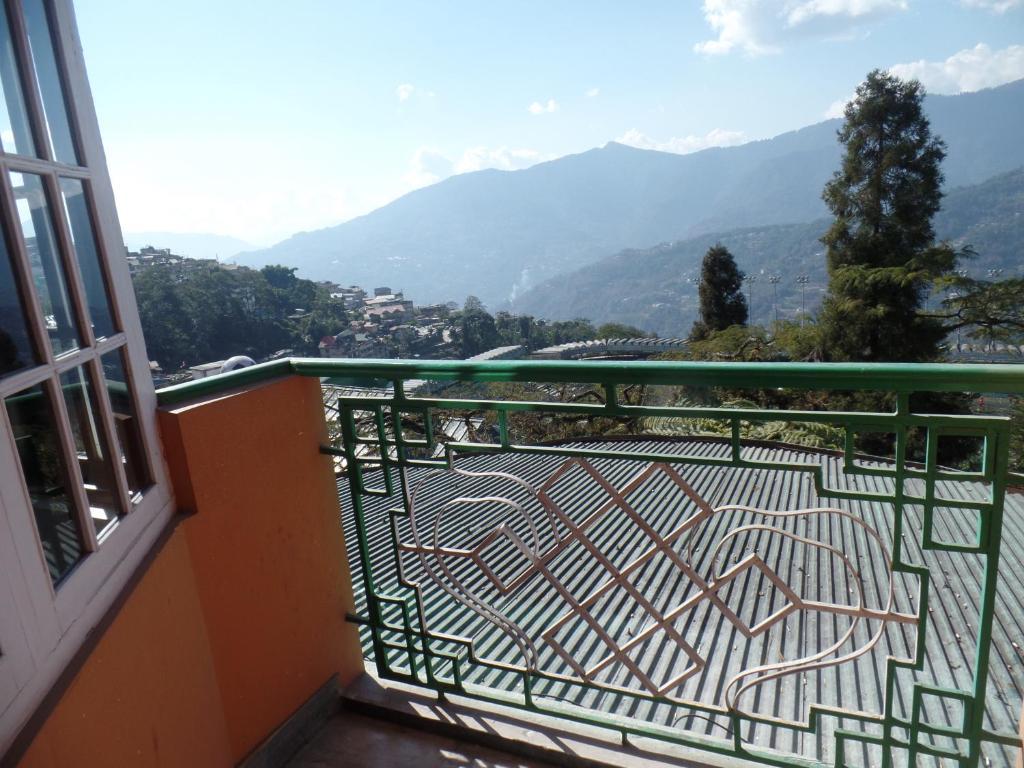 Hotel Himalayan Heights