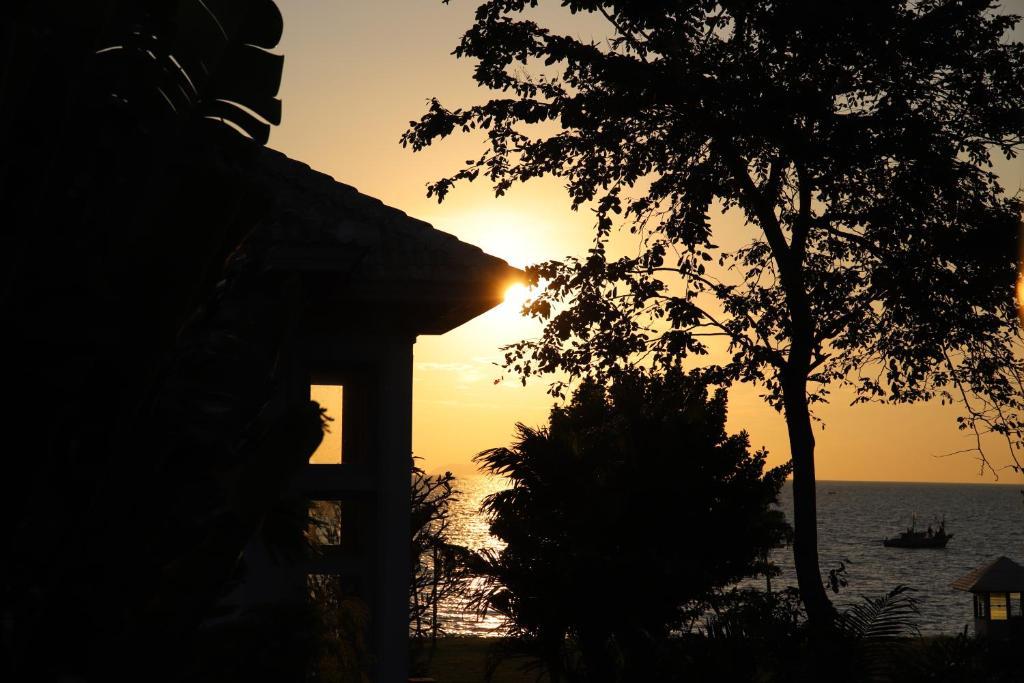 วิวพระอาทิตย์ขึ้นหรือตกที่เห็นจากวิลลาหรือบริเวณใกล้เคียง