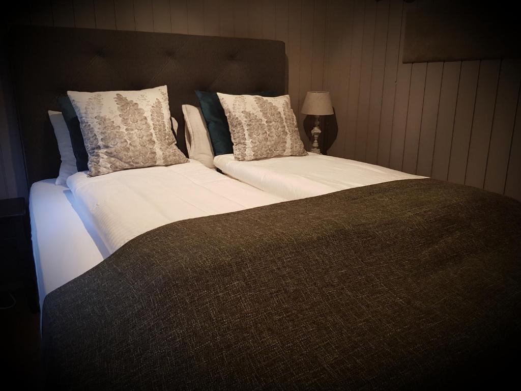 豪卡貝格旅館房間的床