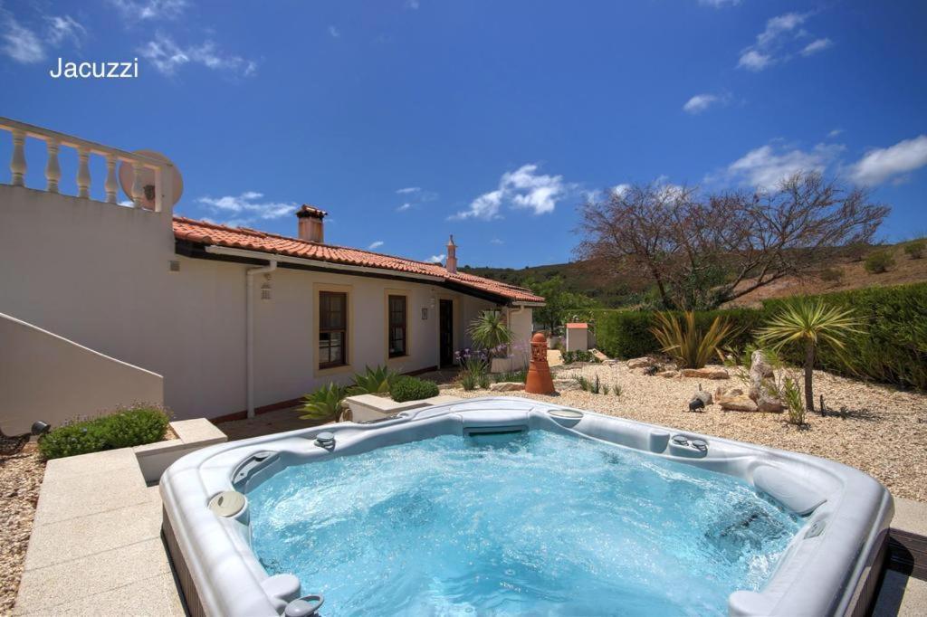 The swimming pool at or near Quinta Casa May