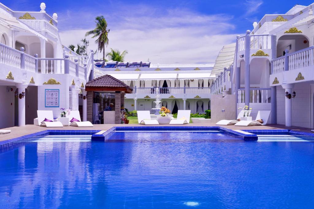 長灘島夏季宮殿酒店游泳池或附近泳池