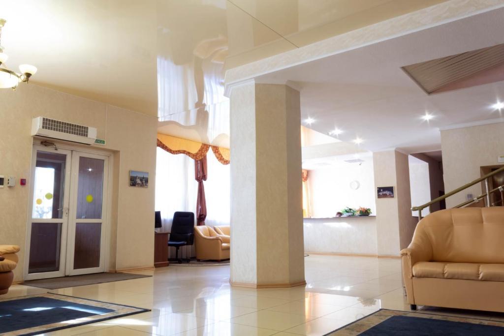 The lobby or reception area at Leningrad Hotel