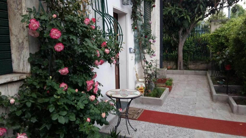 A porch or other outdoor area at Casa Somaré
