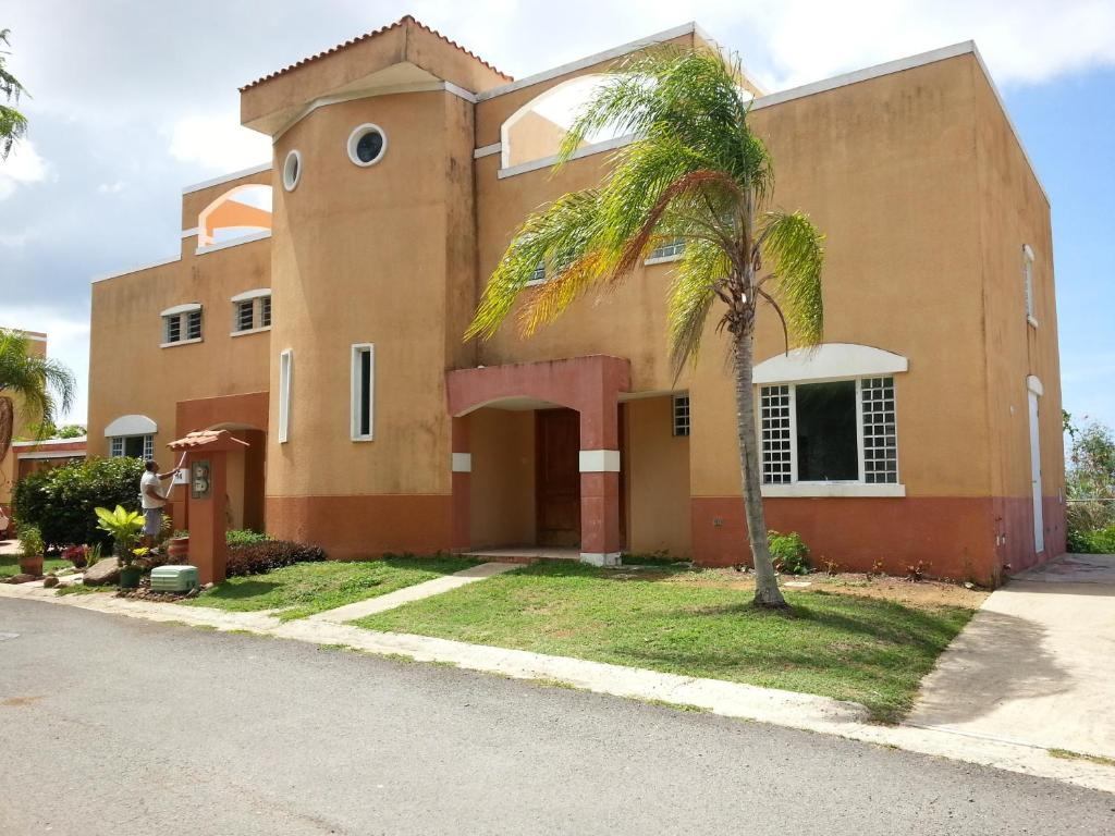 Villa Mountian Top townhouse w/ Ocean View, Luquillo, Puerto ...