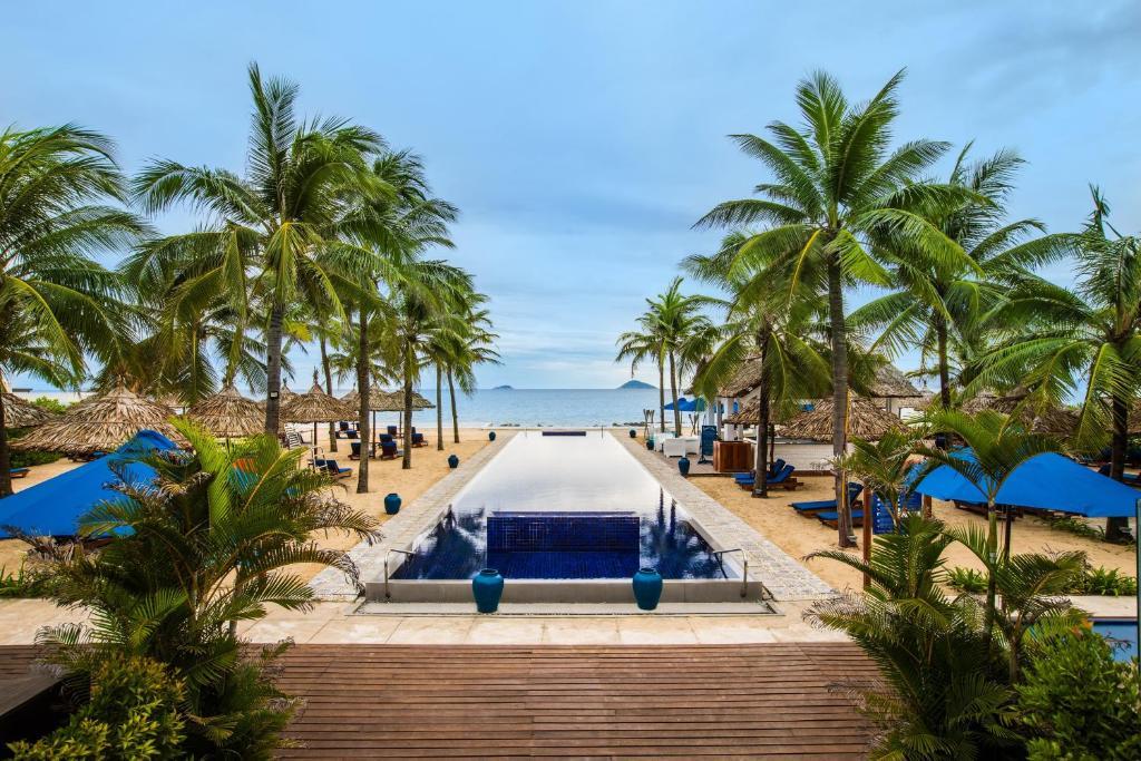 The swimming pool at or near Sunrise Premium Resort Hoi An