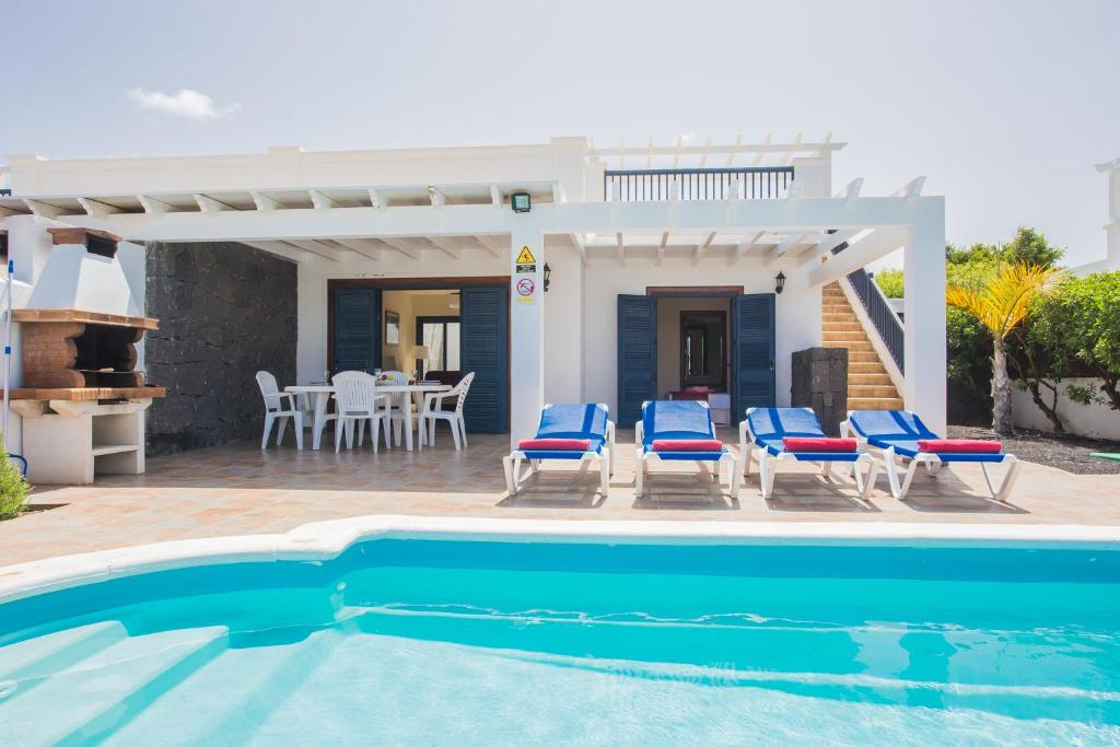 Villas Susaeta, Playa Blanca, Spain - Booking.com