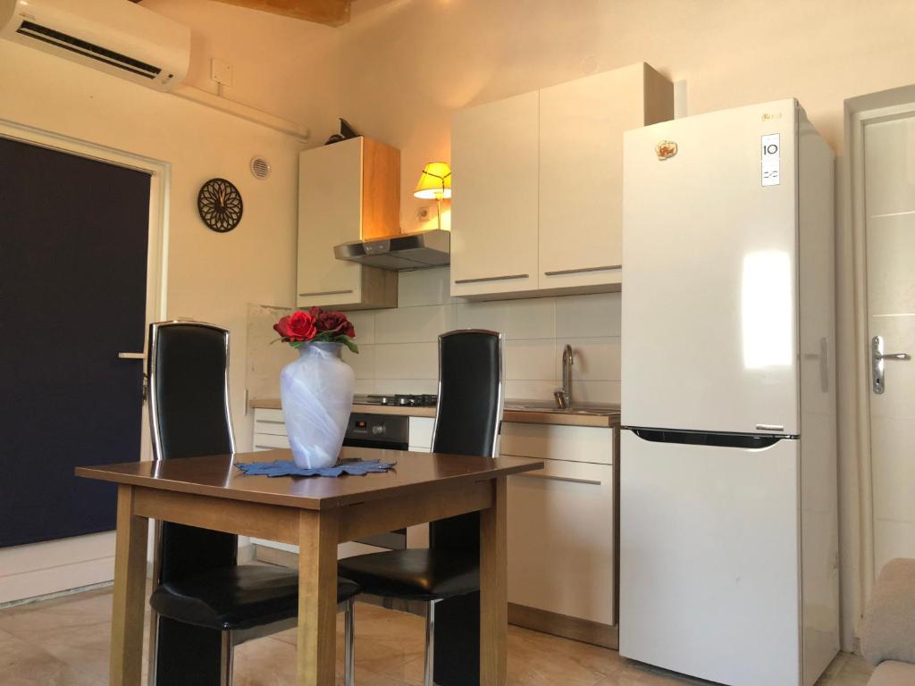 Apartment Ante, Šibenik (Sebenico) – Prezzi aggiornati per ...