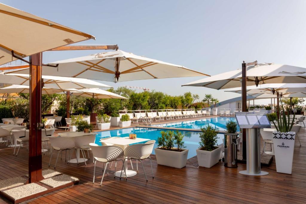 A piscina em ou perto de Radisson Blu es. Hotel, Roma
