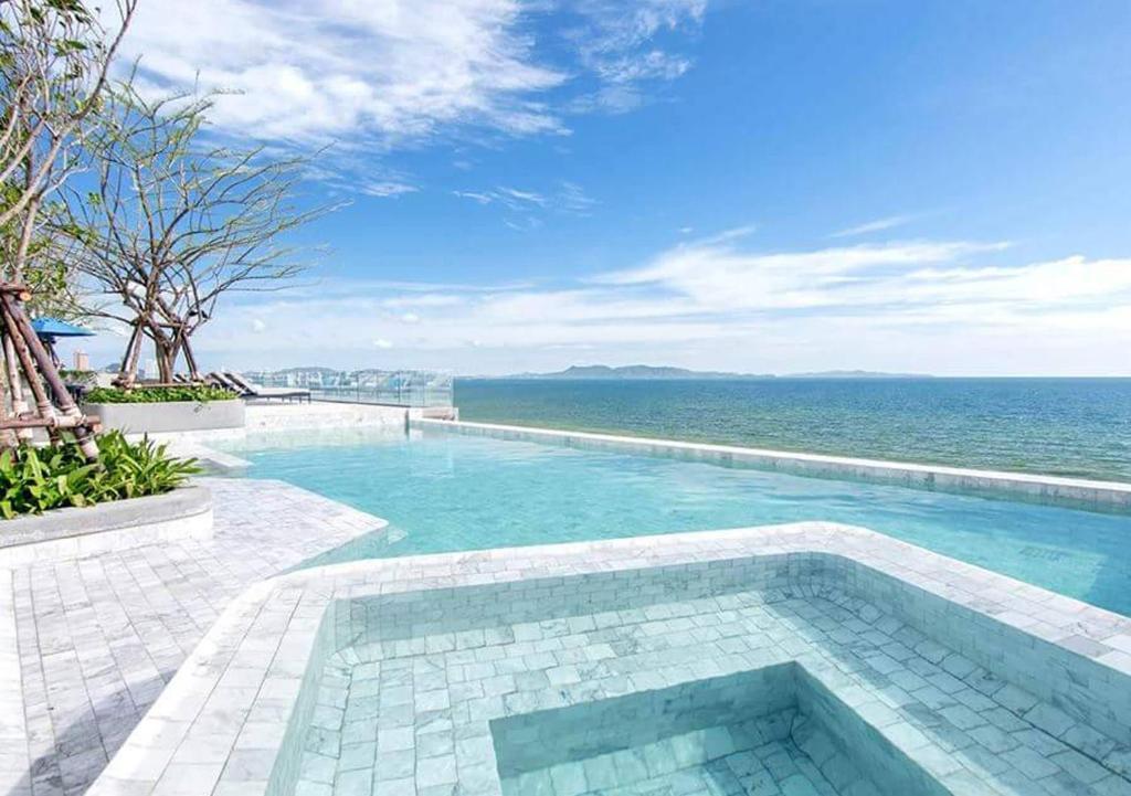 Бассейн в U Jomtien Pattaya или поблизости
