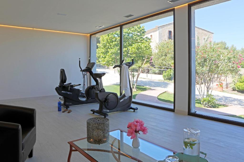 The fitness center and/or fitness facilities at Casa Font i Roig