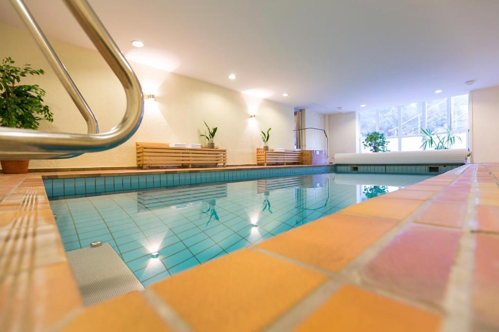 The swimming pool at or close to Wald & Golfhotel Lottental