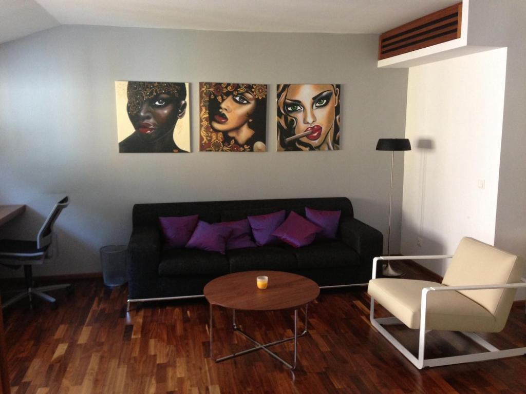 Ein Sitzbereich in der Unterkunft Stilvolle Wohnung im Herzen Salzburgs