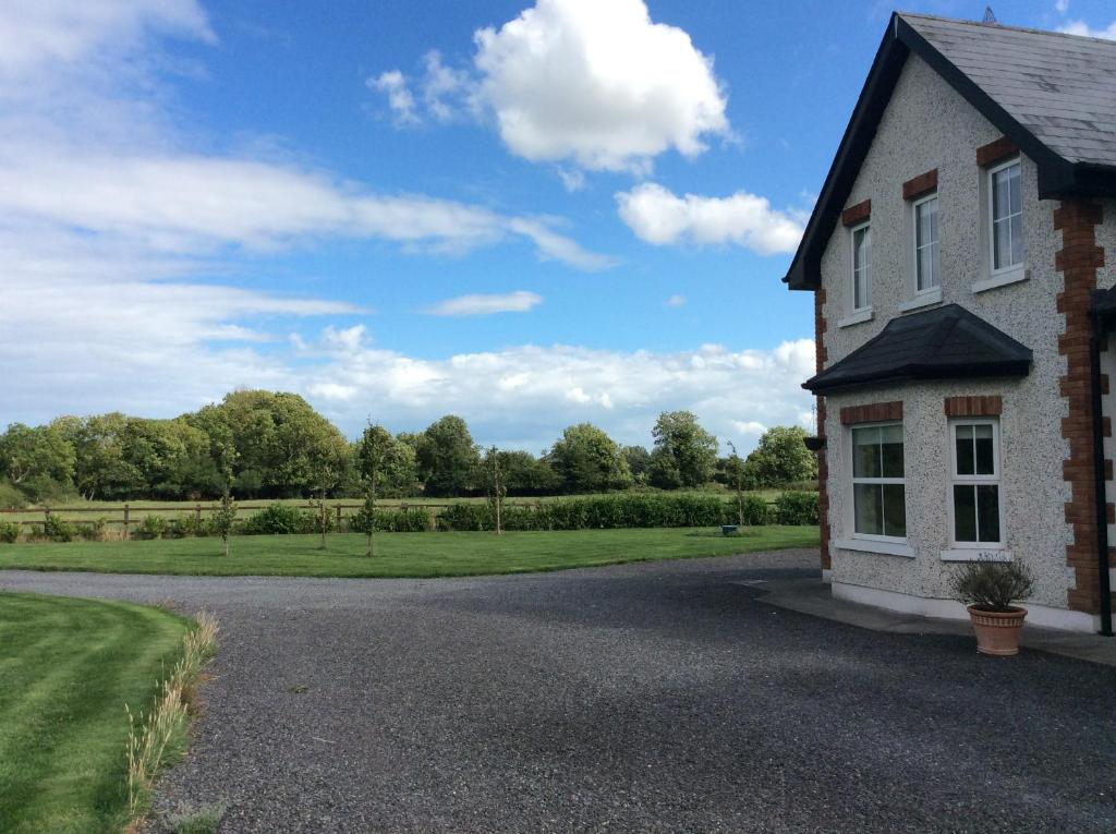 Steeplechase Hill - Property price trends in Ireland