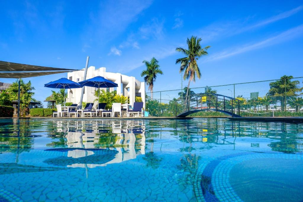 The swimming pool at or near Fiji Gateway Hotel
