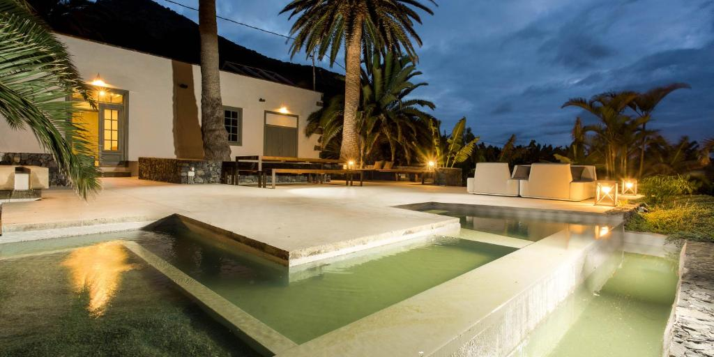 The swimming pool at or near Hacienda El Cardon