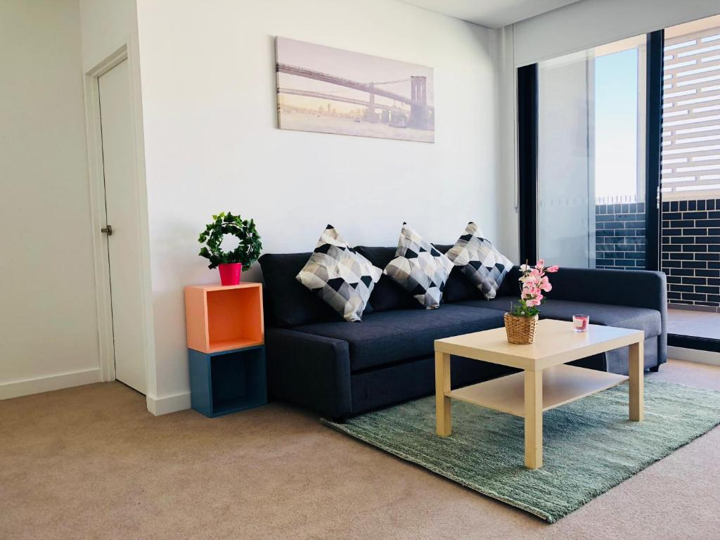 A seating area at Brand New luxury Apartment near CBD and University