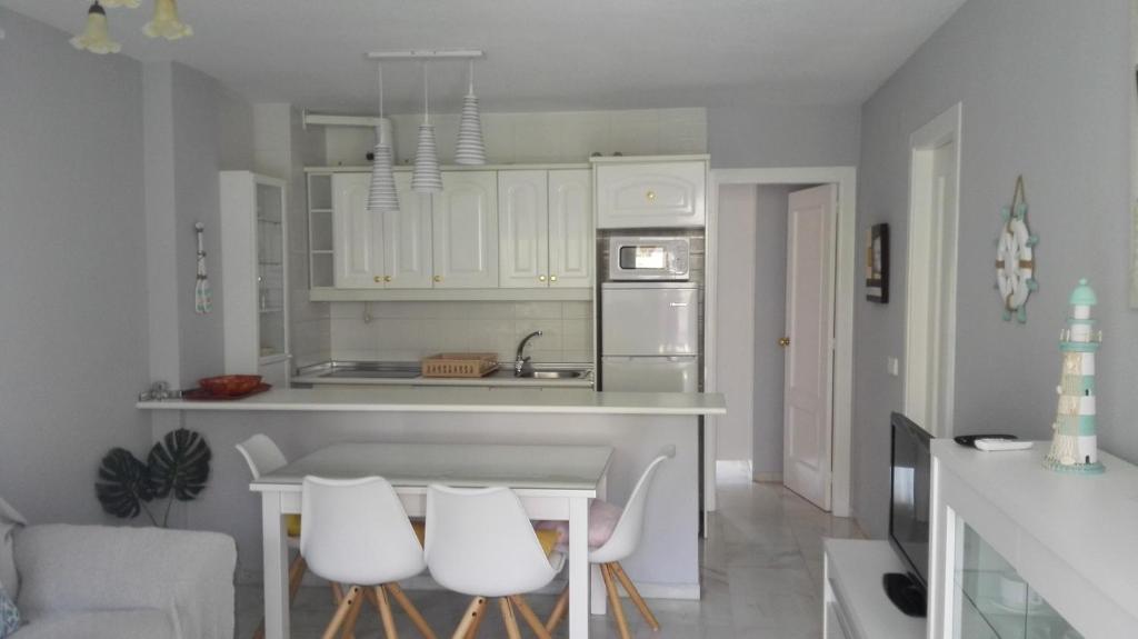 Apartamento en Benalmadena costa, Benalmádena – Updated 2019 ...